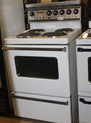 Defy 4 plate stove white S031027A #Rosettenvillepawnshop