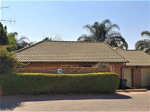 AVAILABLE IMMEDIATELY: Unfurnished 2 Bedroom Townhouse in Bronbergpark Estate, Pretoria East.