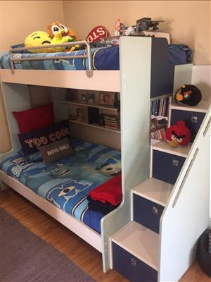 Boys Bunk Bed (Top single and bottom 3/4)