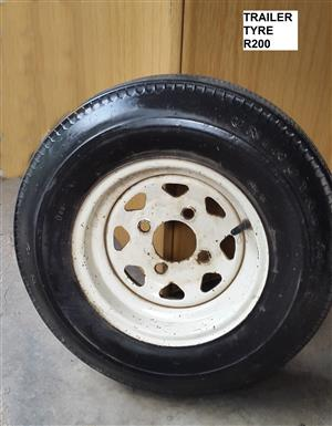 Trailer Tyre (5-20-10) R200 and Kia Sportage carpets R90(new)