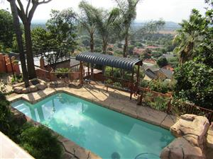 Delightful Cape Dutch Home in Magalieskruin, Pretoria