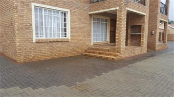 2 Bedroom  flat lo let in safe complex   R6,000 pm