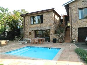 Pet Friendly Holiday House Ballito Suitable for 6 Adults and 4 Kids