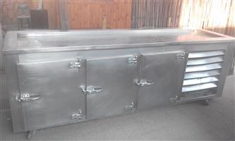 INDUSTRIAL FRIDGE. BARGAIN. Price reduced from R5000