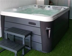 Hot Tub Spa 7 Person Jacuzzi