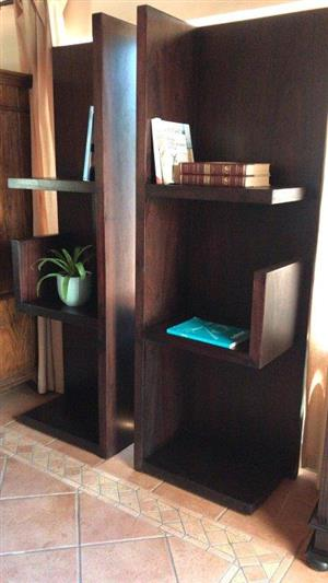 BOOKSHELVES. WOODEN WAYS 33 3rd LEFT & RIGHT 650mm BOOKCASE. Superb quality Wooden Ways Left and Right