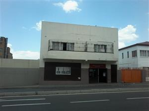 Spacious bachelor flat available to rent in Rosettenville close to the shops and public transport.
