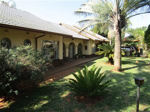 Delightful spacious family home in Magalieskruin ext 1, Pretoria