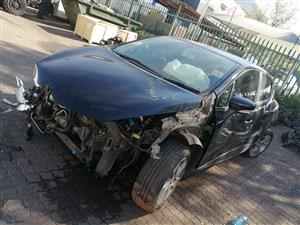 STRIPPING RENAULT CLIO IV FOR SPARE PARTS