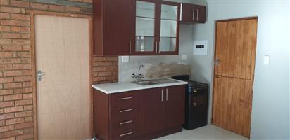 Two Bedroom Flatlet to Let in Meyerspark R5800 (Pretoria East)