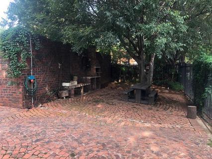 2 Bedroom Flat to rent in Brummeria (Pretoria East)