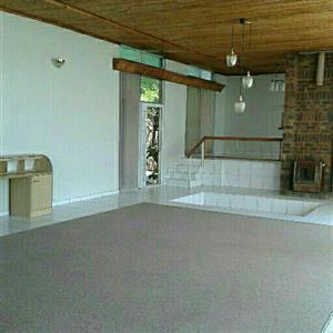 Spacious studio Apartment in Silverton for rent