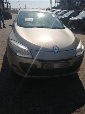 Stripping RENAULT MEGANE III  For Spares