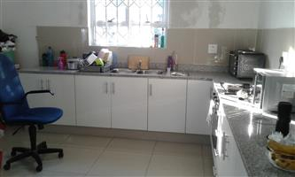 2 b/r freestanding cottage on shared property with prepaid meter, courtyard and secure pkg. 01 April
