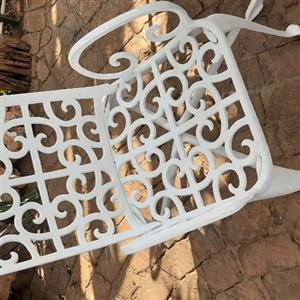 Cast/aluminum patio set