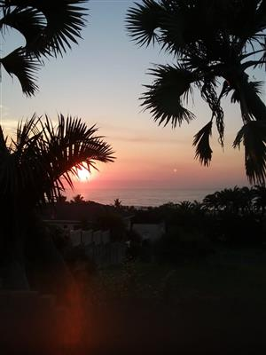 Self catering Accommodation R460 per day  200 metres from beach Sunwich Port, Port Shepstone