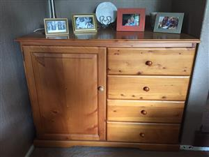 Pine Chest of drawers/ baby compactum