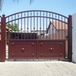 driveway gates and related steel work