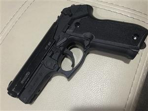 Gamo PT80 C02 Gas pistol
