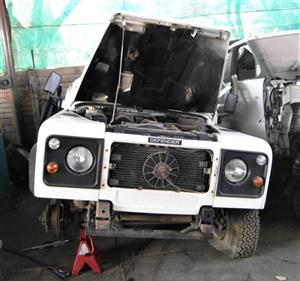 Land Rover Defender 300TDI Kalahari 110 - Stripping for Spares | AUTO EZI