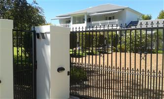 GARDEN ROUTE, GEORGE - FULLY FURNISHED  STATELY FAMILY HOME IN CAMPHERSDRIFT ON 3302M2 GROUNDS WITH 10 EN-SUITE BEDROOMS