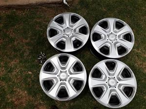 1.4 ford fiesta rims and wheel nuts