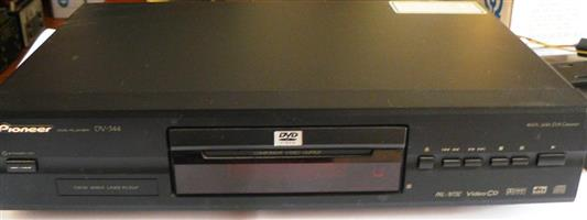 Pioneer DV-334 DVD player in perfect condition, fully functional with remote
