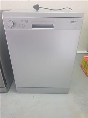 Silver defy dishwasher