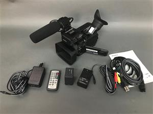 Sony HXR-NX70U NXCAM Compact AVCHD Camcorder