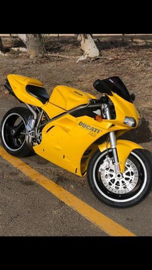 2002 Ducati 748