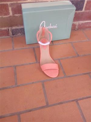 Branded shoes for women for sale