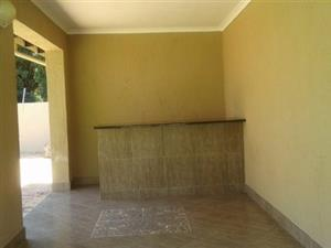 Emndeni garage to rent for R1500 all inclusive family allowed
