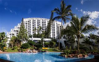 Umhlanga Cabana Beach Resort Unit in peak  Holiday available!