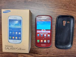 Samsung S3 mini in good working order with original box.