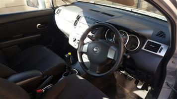 2006 Nissan Tiida sedan 1.6 Visia+