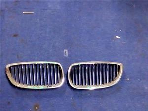 BMW E90/E92 KIDNEY GRILLS