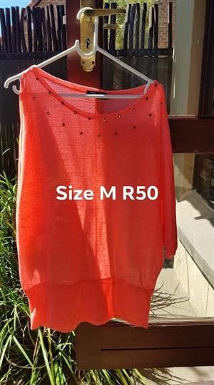 Medium orange top for sale