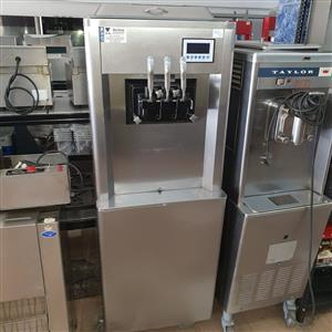 Ice Cream Machine USED BQ323P SH0764