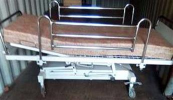 Hospital Bed Hydraulic lift and recline orthopaedic bed in excellent condition