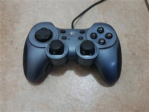 Logitech RumblePad 2 Controller
