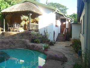 FURNISHED IMMACULATE, MODERN, ONE BEDROOM COTTAGE