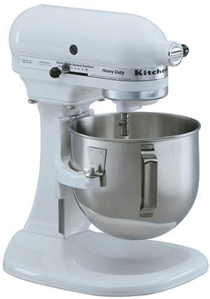 Kitchen Aid LIFT BOWL mixer in excellent condition.HEAVY DUTY mixer Plus lots of extra attachments