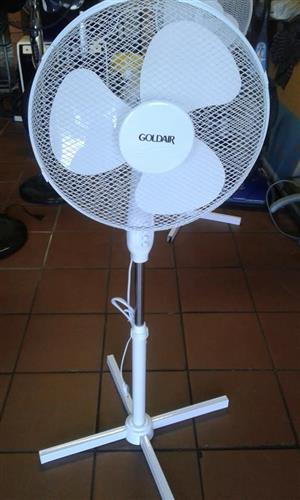 White goldair fan for sale