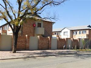 15 ZANE - 2 BEDROOM TOWNHOUSE IN WONDERBOOM SOUTH