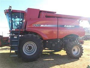Case Ih 7120 2wd Combine - ON AUCTION
