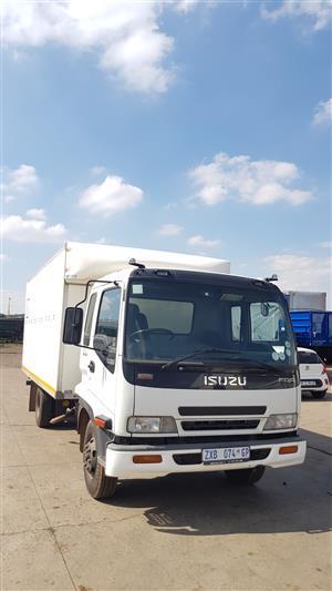 2010 Isuzu FFR500 Closed body Rigid Truck