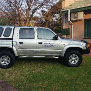 2005 Toyota Hilux double cab Choose for me