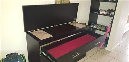 Solid Side Server with Powered Hot Plates for sale.