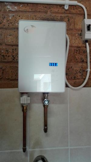 INSTANT WATER HEATER 4500W