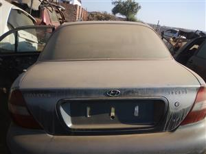 HYUNDAI SONATA 16V REAR WINDSCREEN AND BONNET FOR SALE!!
